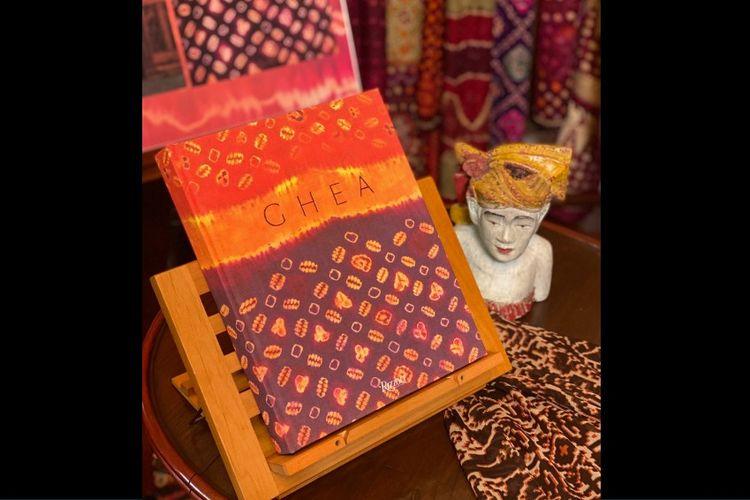 Asian Bohemian Chic: Indonesian Heritage Becomes Fashion, buku cerita perjalanan 40 tahun berkarya Ghea Panggabean.