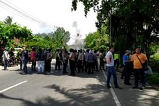 Berawal dari Perusakan Angkot, 2 Kelompok Warga Bentrok Gunakan Senjata Tajam