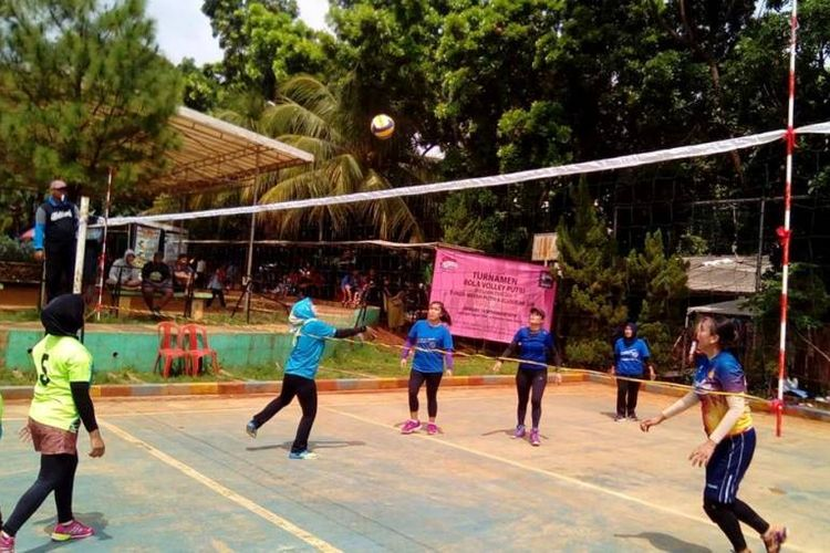 Untuk itu, menyelenggarakan turnamen Bola Voli Putri 2018, di Lapangan Taman Kota, Jalan  Merdeka Raya, Depok, Minggu (11/11/2018) pagi sampai petang.