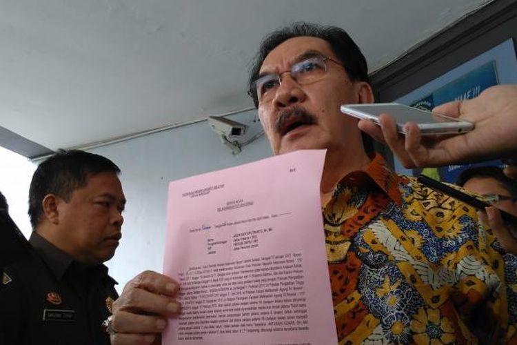 Mantan Ketua KPK Antasari Azhar usai bertemu pihak Kejaksaan Negeri Jakarta Selatan di Lapas Tangerang, Kamis (26/1/2017) siang. Antasari dipastikan menyelesaikan masa hukumannya setelah mendapat grasi dari Presiden Joko Widodo.