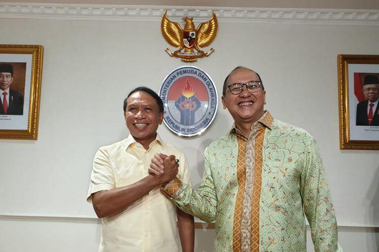 Menpora Zainudin Amali (kiri) dan Chef de Mission (CdM) Indonesia Rosan Roeslani saat bertemu membahas kesiapan Olimpiade Tokyo 2020 di Kantor Kemenpora Lt. 10, Senayan, Jakarta Pusat, Kamis (9/1/2020)