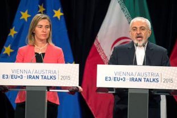 Kepala kebijakan luar negeri Uni Eropa Federica Mogherini mengadakan jumpa pers dengan Menlu Iran Mohammad Javad Zarif di Vienna, Austria terkait kesepakatan yang dicapai dalam pembicaraan soal program nuklir Iran.