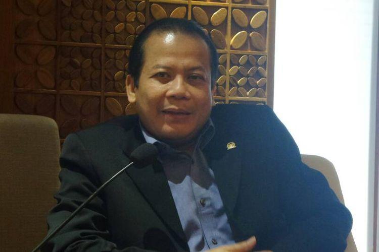 Wakil Ketua DPR RI Taufik Kurniawan di Kompleks Parlemen, Senayan, Jakarta, Jumat (19/5/2017).