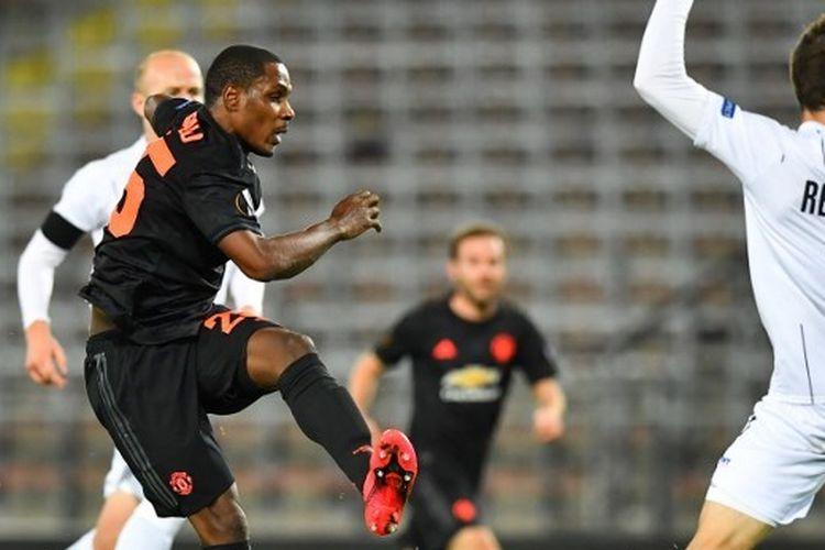 Odion Ighalo saat mencetak gol ke gawang LASK Linz pada leg pertama babak 16 besar Liga Europa, Jumat (13/3/2020) dini hari WIB.