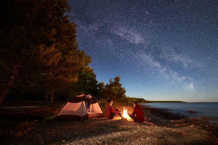 Ilustrasi camping