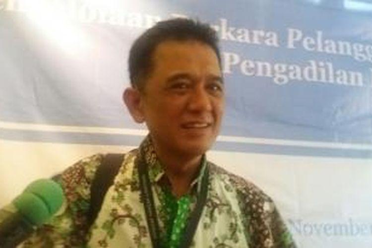 Mantan Komisioner Komisi Pemberantasan Korupsi, Chandra M. Hamzah, saat ditemui usai acara diskusi di Cikini, Jakarta Pusat, Rabu (25/11/2015)