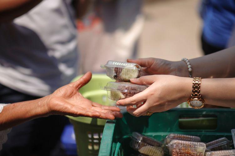 A free food handout