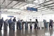 Gangguan Sistem, Gerbang Pengguna KMT dan Kartu Bank Dibedakan di Stasiun Tebet