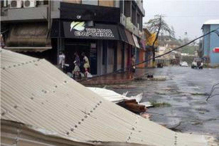 Dalam foto yang dirilis UNICEF memperlihatkan dampak kerusakan di Port Vila, ibu kota Vanuatu, Sabtu (14/3/2015) setelah Badai Pam menerjang negara kepualauan di Pasifik Selatan itu.