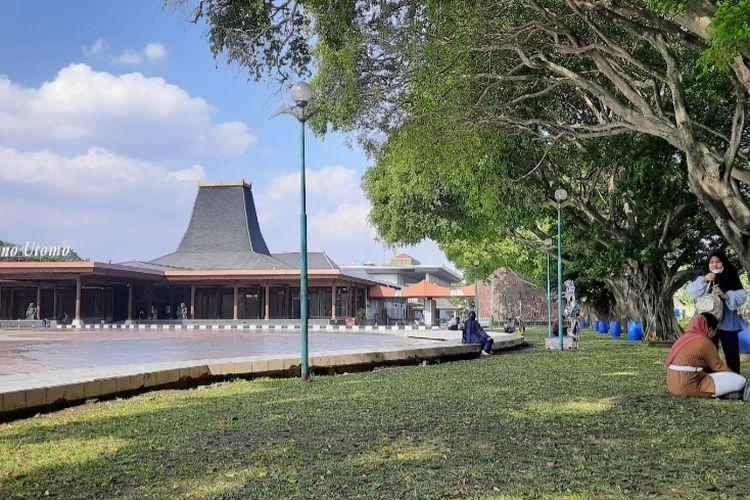 Taman Mini Indonesia Indah (TMII) akan diambil alih oleh negara melalui Kementerian Sekretariat Negara (Kemensetneg). Foto diambil pada Kamis (8/4/2021).