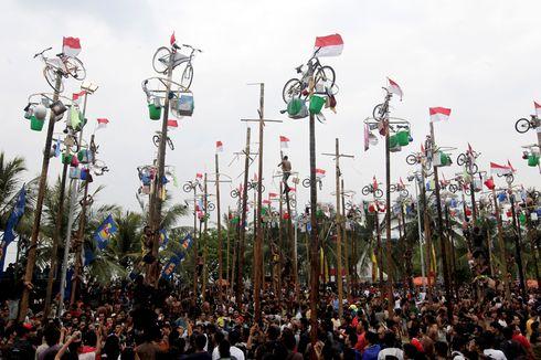 Lomba Panjat Pinang, Peninggalan Kolonial yang Terancam Jadi Kenangan
