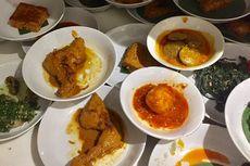 Mengapa Ada Tradisi Hidang atau Prasmanan Mini di Restoran Padang?