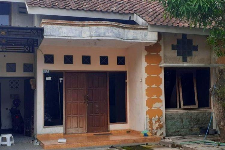 Rumah milik MZ (58) di Dusun Kadisono, Desa Tegaltirto, Kecamatan Berbah, Kabupaten Sleman, yang digeledah oleh Densus 88 Mabes Polri.
