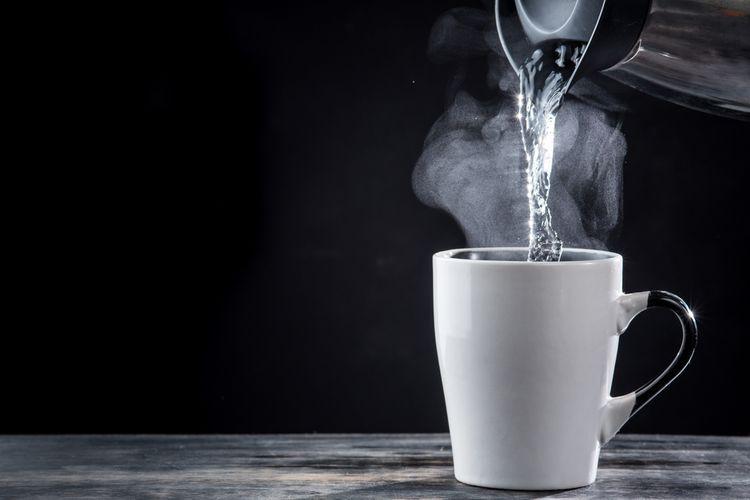 Ilustrasi air panas, minuman