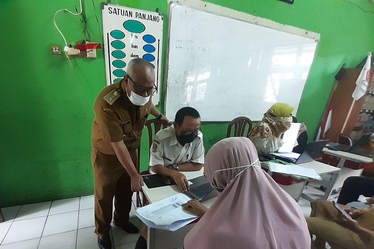 Situasi posko PPDB Kota Bekasi, Senin (14/6/2021).