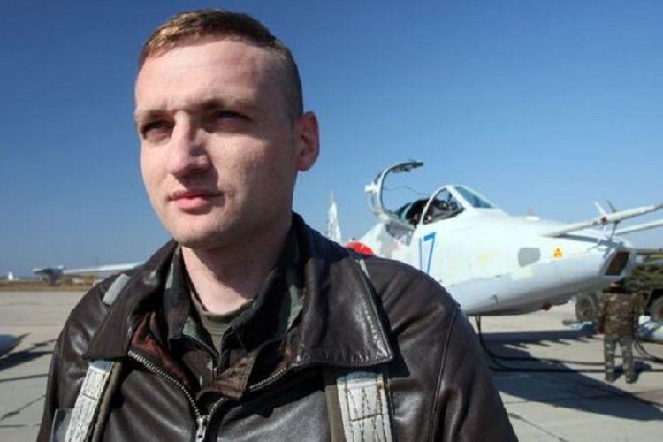 Kapten Vladyslav Voloshyn di pangklan AU Ukraina di kota Mykailov.