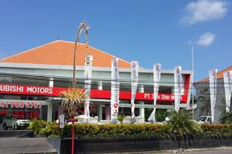 Krama Yudha Tiga Berlian meresmikan dealer baru Mitsubishi Badung, Bali, Sabtu (7/6/2014).