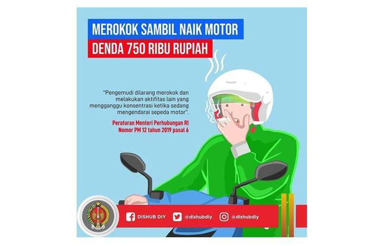Larangan merokok saat berkendara motor yang tertung pada Peraturan Menteri Perbuhungan (Permenhub) Nomor 12 Tahun 2019 tentang Perlindungan Keselamatan Pengguna Sepeda Motor.