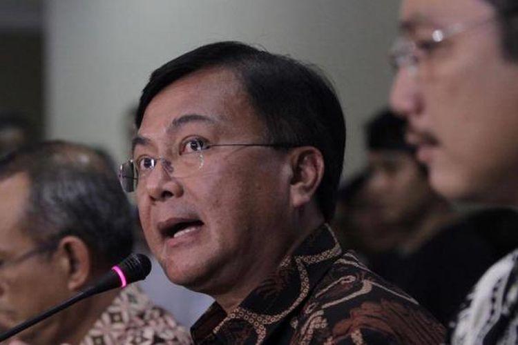Deputi Bidang Penindakan Badan Narkotika Nasional, Inspektur Jenderal Benny Mamoto (tengah).