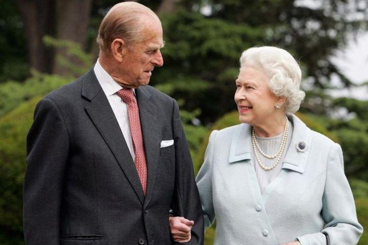 Dukungan kuat dan konsisten diberikan Pangeran Philip kepada Ratu Elizabeth.