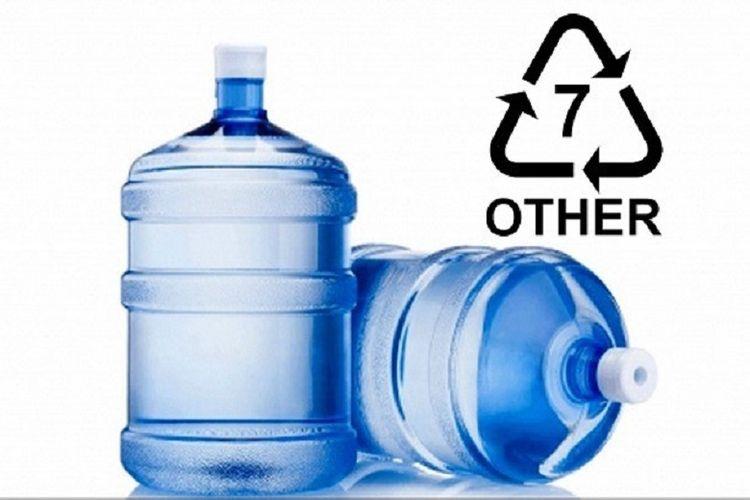 Bahaya BPA pada kemasan galon isi ulang.