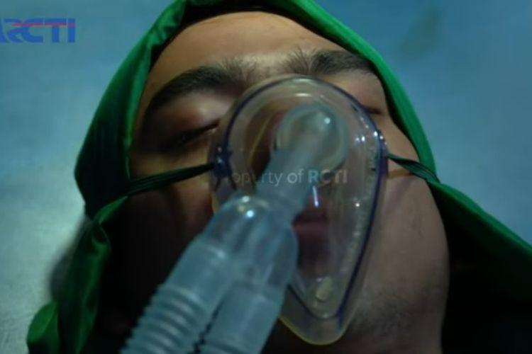 Adegan Aldebaran (Arya Saloka) saat menjalani operasi di sinetron Ikatan Cinta.