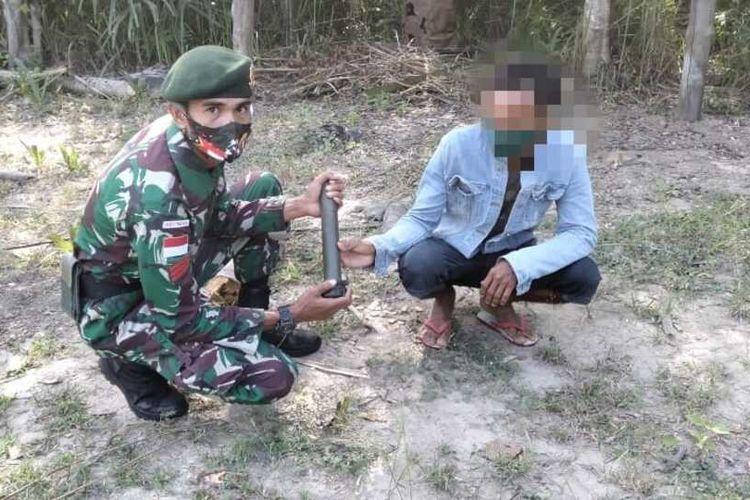 Warga perbatasan Indonesia-Timor Leste serahkan granat kepada TNI