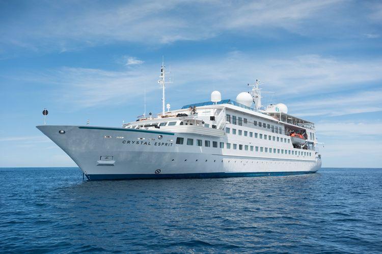 Ilustrasi kapal pesiar - Salah satu kapal pesiar milik Crystal Cruises (dok. www.andrewcolvinphotography.com | Facebook Crystal Cruises).