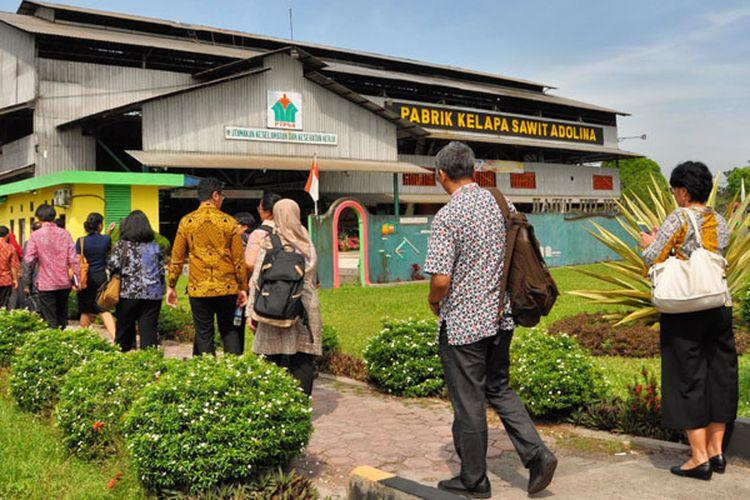 Kunjungan para diplomat Kemenlu RI ke perkebunan dan pabrik kelapa sawit Adolina milik PT Perkebunan Nusantara IV di Sumatera Utara, Kamis (22/3/2018).