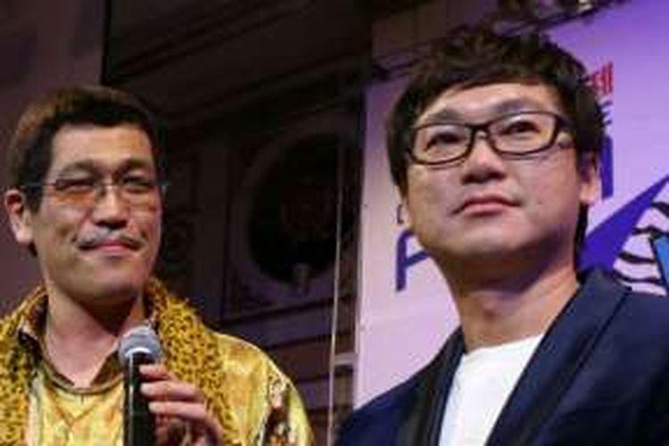 Pikotaro (kiri) dan Fred Chong, Group CEO WebTVAsia dalam acara gala dinner WebTVAsia Awards 2016 di Imperial Hotel, Seoul,  Korea Selatan, Jumat (25/11/2015) malam waktu setempat.