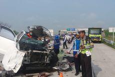 Kronologi Fortuner Tabrak Truk di Tol Madiun yang Menewaskan 3 Orang