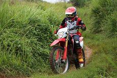 Alasan Baju Motocross Harus Berbahan Tipis
