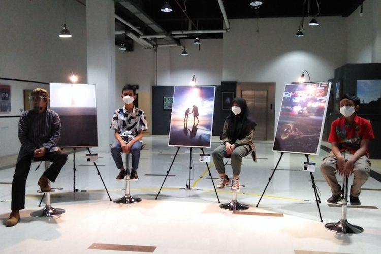 Dari kiri ke kanan: Arik Wartono, Muhammad Ariel Arkana Ramadhan, Alin dan Raden Angga, saat pembukaan acara pameran.