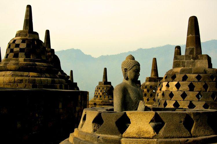 Ilustrasi Candi Borobudur