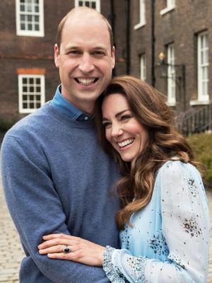 Foto terbaru Kate Middleton dan Pangeran William dalam ulang tahun pernikahan ke sepuluh