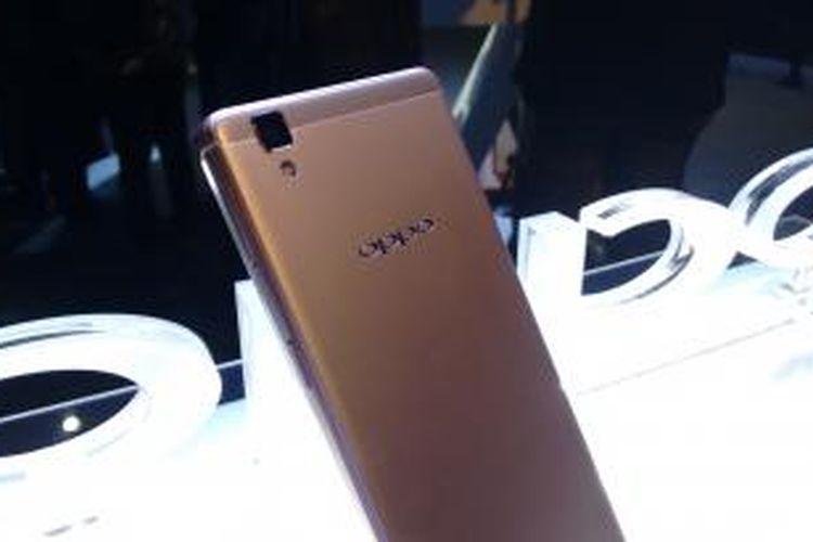 Smartphone OPPO R7s dengan RAM 4GB memberikan pengalaman super cepat