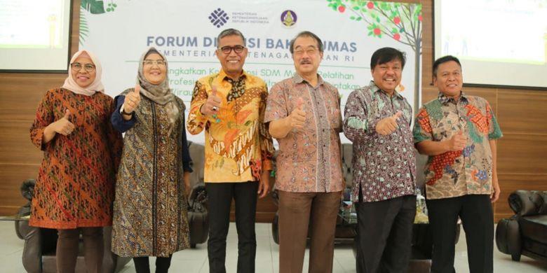 Forum Diskusi Bakohumas Kementerian Ketenagakerjaan (Kemnaker) di Lembang, Jawa Barat, Kamis (25/10/2018).