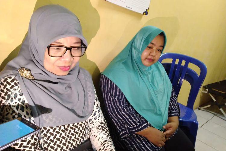 Tri Supramayanti (kanan) dan Marlina (kiri) saat di ruang penyidik Reskrim Polsek Samarinda Ulu, Selasa (21/1/2020) malam.