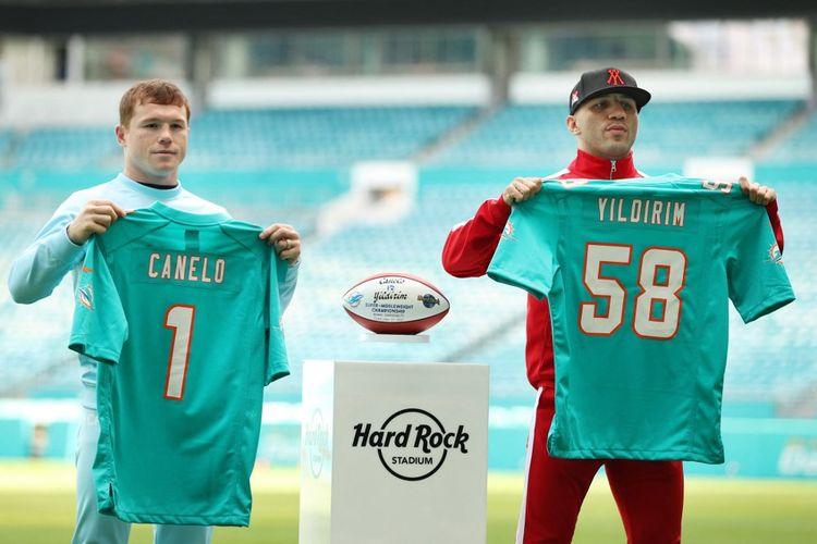Jadwal tinju dunia Canelo Alvarez vs Avni Yildrim akan berlangsung di Hard Rock Stadium, Miami, Florida, pukul 10.00 pagi WIB pada Minggu (28/2/2021).