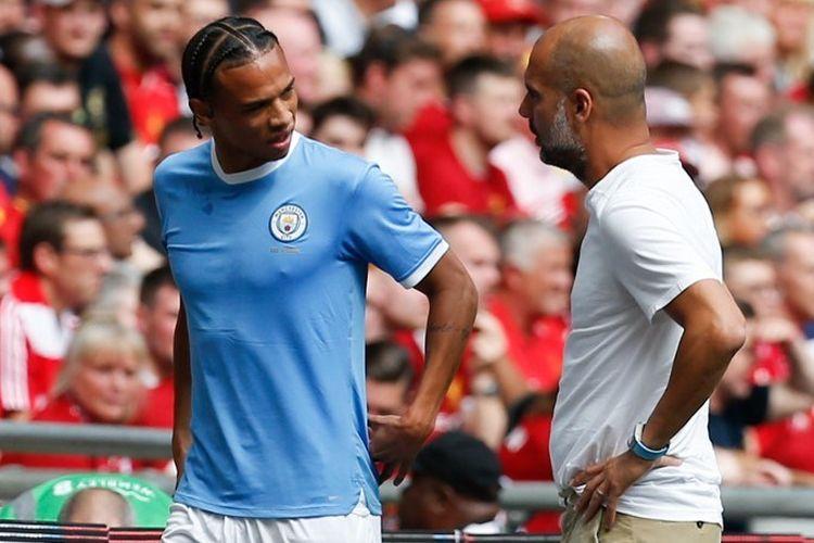 Pemain Manchester City, Leroy Sane, yang mengalami cedera ditarik keluar pelatih Pep Guardiola pada pertandingan Liverpool vs Man City dalam Community Shield 2019 di Stadion Wembley, 4 Agustus 2019.