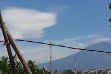 Awan Lenticular Muncul di Atas Malang, Berbahaya bagi Penerbangan Rendah