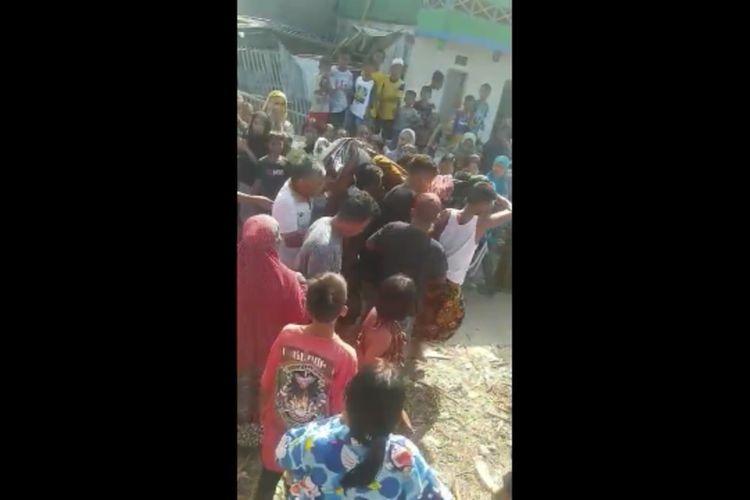 Patung tani dan Pancasila di Polewali, Sulawesi Barat, dihancurkan orang tak dikenal.