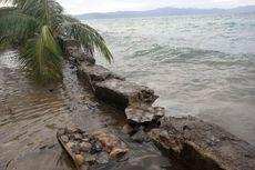 Gelombang Tinggi Rusak Talud dan Jalan di Maluku Tengah, Puluhan Rumah Tergenang
