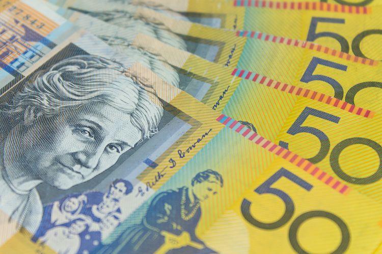Uang kertas pecahan 50 dollar Australia.