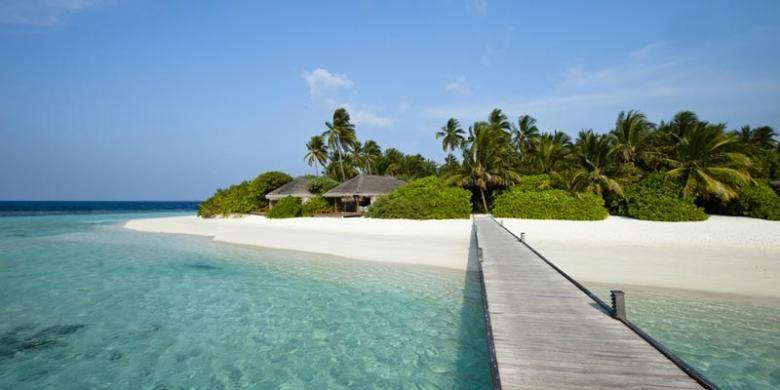 Wisata pantai di Republik Kepulauan Fiji.