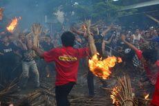 Perang Api, Tradisi Umat Hindu Lombok Mengusir Wabah Penyakit