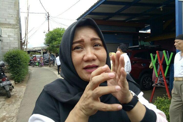 Anggota DPRD Kota Fraksi Golkar Tangerang Selatan,  Eva Puspita menyoroti kinerja Badan Penanggulangan Bencana Daerah (BPBD)  dalam mengatasi banjir. Hal ini dikatakan saat mendatangi rumah Nazar (13) salah satu korban yang terseret arus di Gang Lurah, Pondok Aren, Tangsel, Rabu (26/2/2020).
