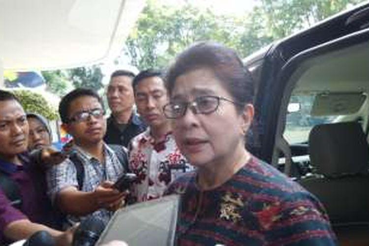 Menteri Kesehatan Nila Moeloek di Kantor Kementerian Koordinator Bidang Pembangunan Manusia dan Kebudayaan, Jakarta, Selasa (10/5/2016)
