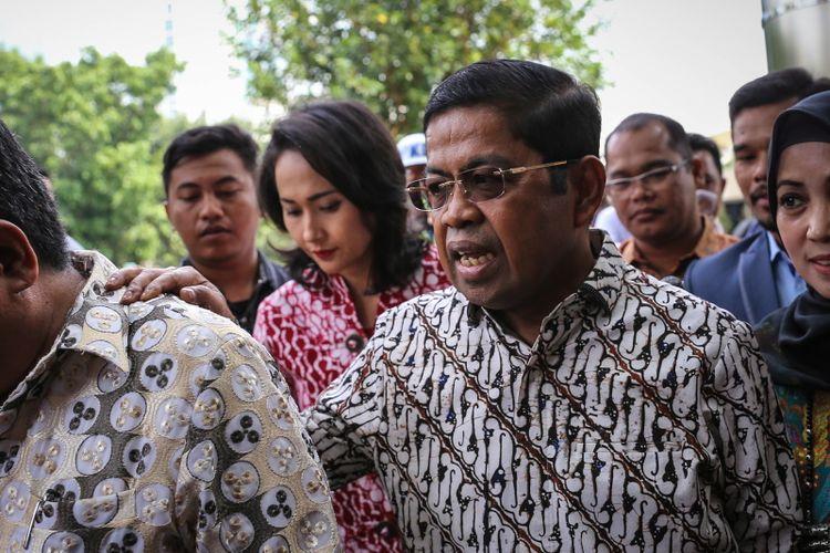 Sekretaris Jenderal Partai Golkar Idrus Marham tiba di Gedung Komisi Pemberantasan Korupsi (KPK) di Jakarta, Senin (11/9/2017). Kedatangannya terkait Ketua DPR RI Setya Novanto yang tak memenuhi panggilan Komisi Pemberantasan Korupsi hari ini.