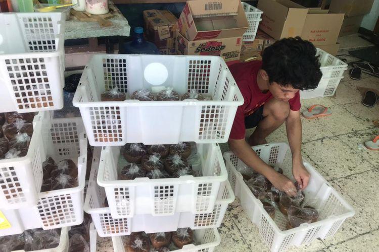 Pembuatan Kue Keranjang Dua Liong di Jagalan, Rabu (03/1/2021)
